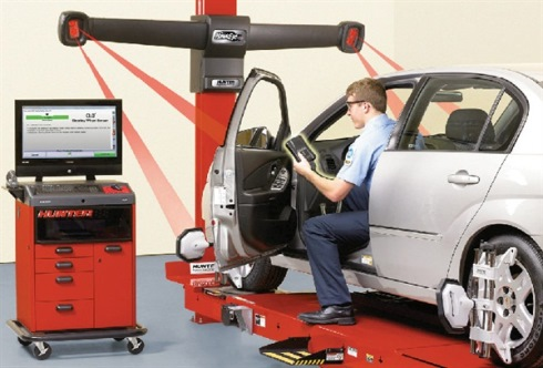Wheel Alignment Machine in Use